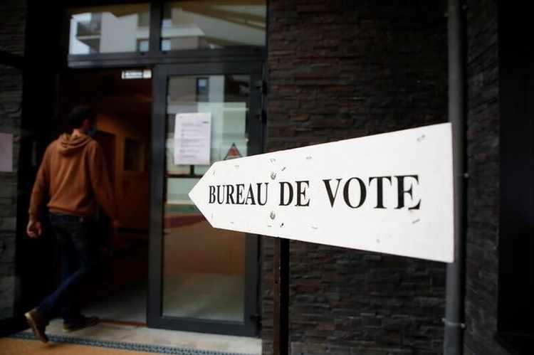 """ეგზიტპოლების თანახმად, საფრანგეთის რეგიონული არჩევნების მეორე ტურში """"კონსერვატორები"""" ლიდერობენ"""