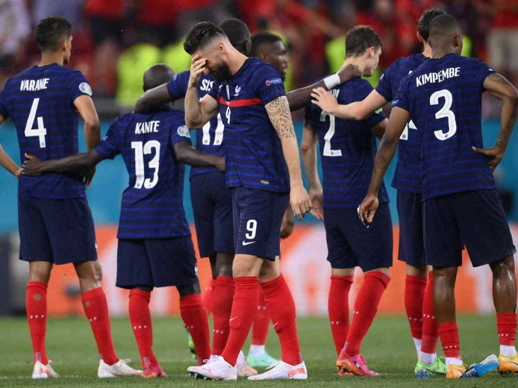 ფრანგული მედიის რეაქცია ევროპის ჩემპიონატში წარუმატებლობაზე - საფრანგეთი განადგურებულია, დეშამი უბრალოდ დაიკარგა #1TVSPORT
