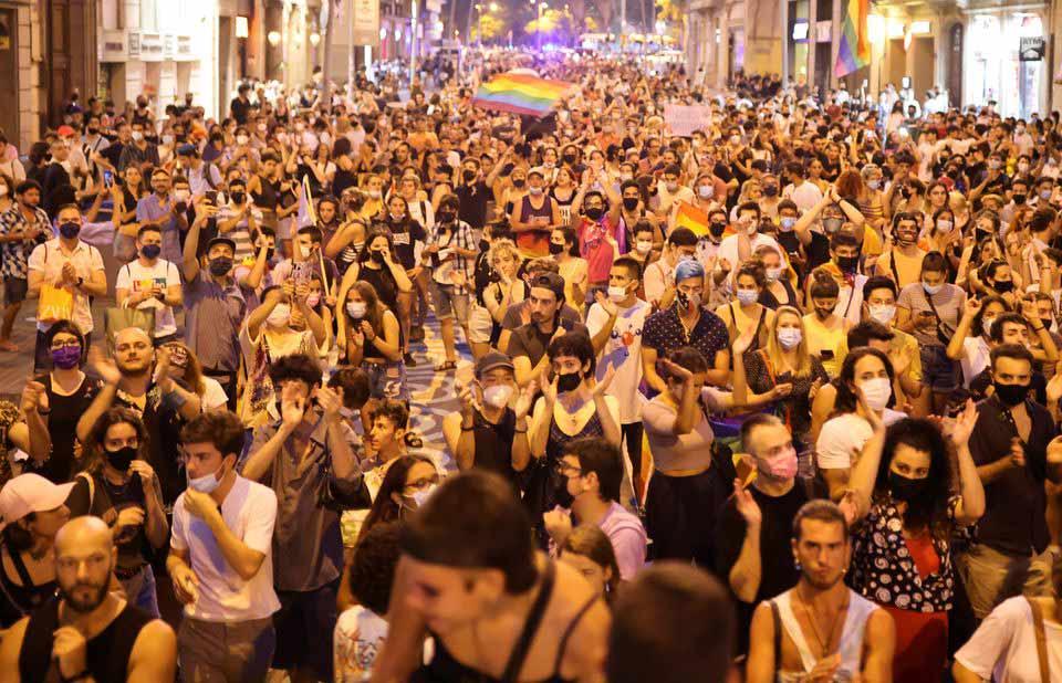 სავარაუდოდ ჰომოფობიის ნიადაგზე ჩადენილი თავდასხმისას ახალგაზრდა მამაკაცის გარდაცვალების გამო, ესპანეთის უმსხვილეს ქალაქებში საპროტესტო აქციები გაიმართა