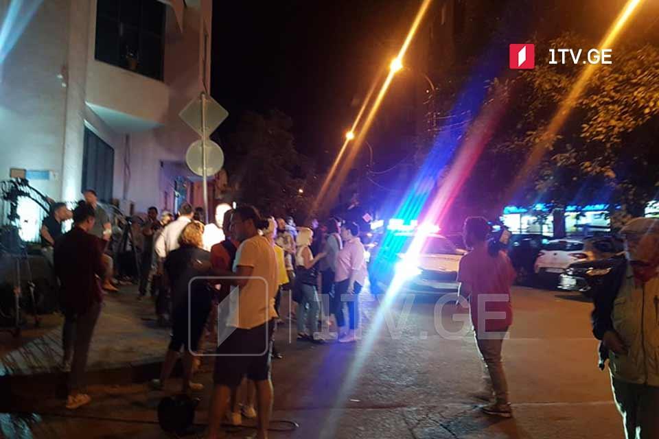 """""""ტვ პირველთან"""" საპატრულო პოლიციის რამდენიმე ეკიპაჟიამობილიზებული"""