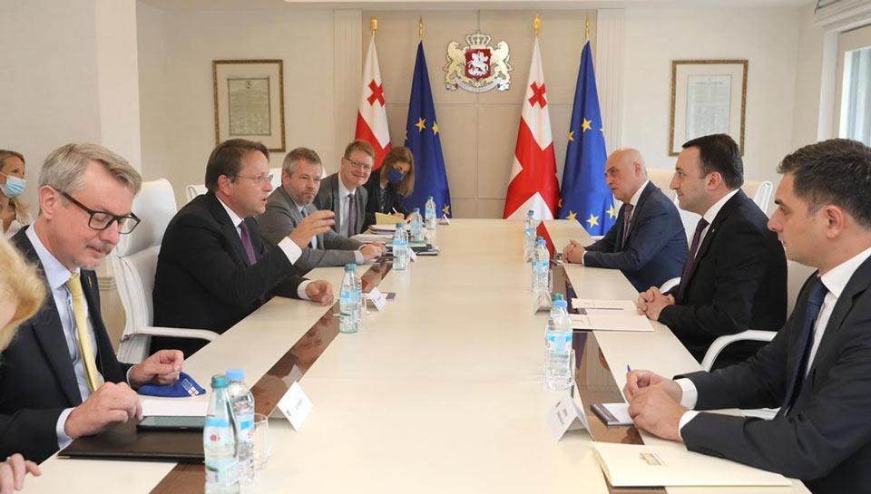 ირაკლი ღარიბაშვილი ევროპული სამეზობლო პოლიტიკისა და გაფართოების საკითხებში ევროკომისარ ოლივერ ვარჰეის შეხვდა