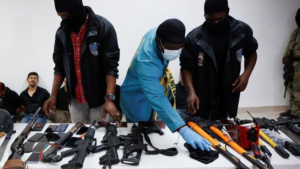 ჰაიტის პოლიციაში აცხადებენ, რომ ქვეყნის პრეზიდენტი უცხო ქვეყნის მოქალაქეების დაჯგუფებამ მოკლა