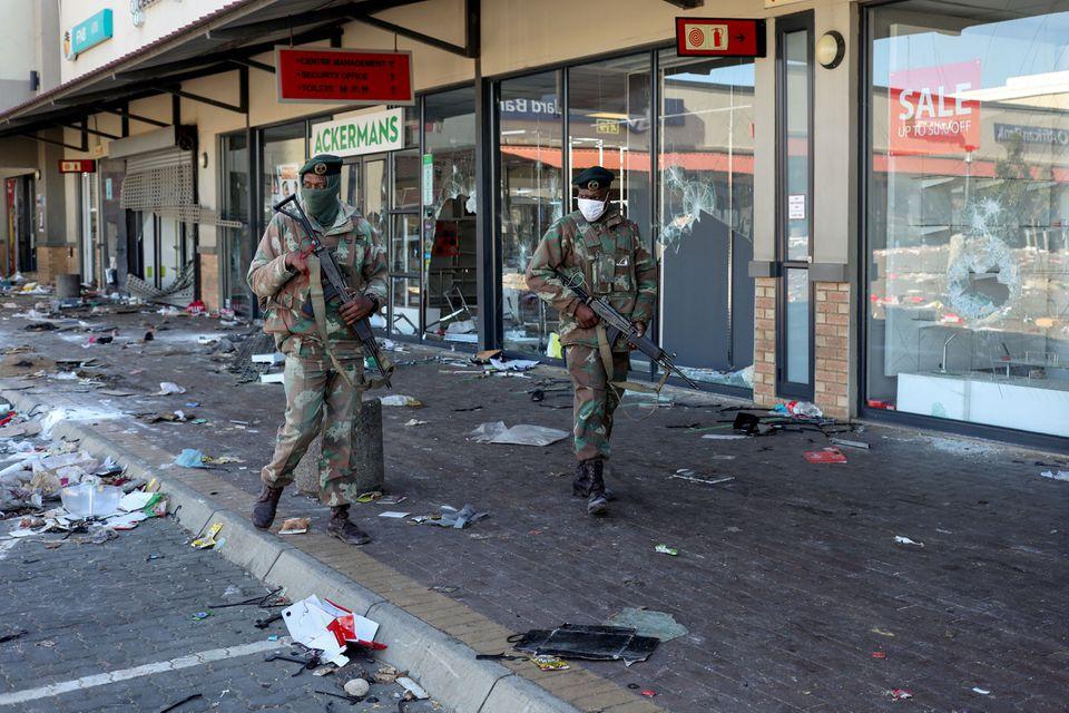 სამხრეთ აფრიკაში არეულობას ათეულობით ადამიანის სიცოცხლე ემსხვერპლა