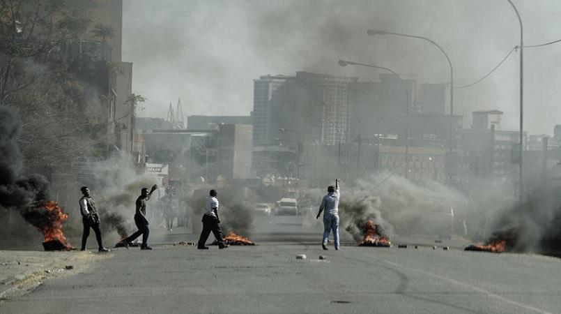 """""""ბიბისი"""" - სამხრეთ აფრიკაში ექსპრეზიდენტ ჯეიკობ ზუმას დაკავების შემდეგ დაწყებულ საპროტესტო გამოსვლებზე, არეულობის შედეგად, 72 ადამიანი დაიღუპა"""