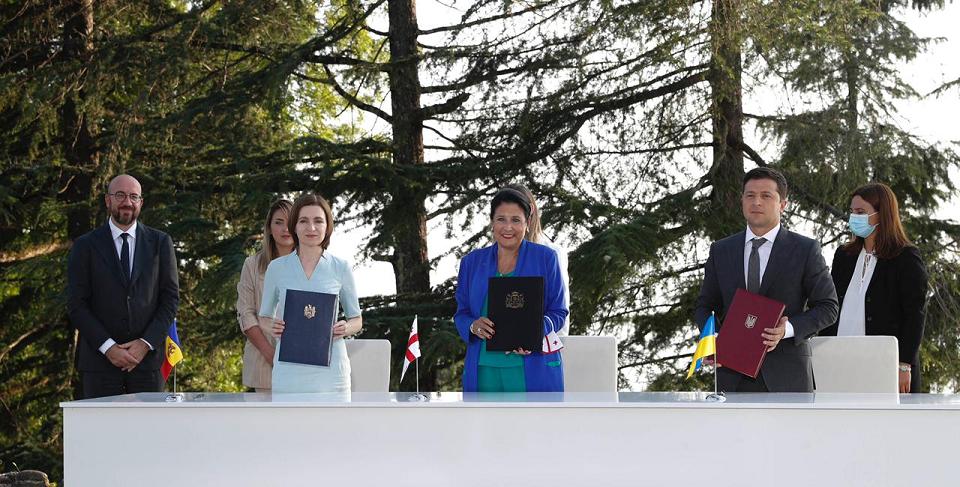 საქართველოს, მოლდოვისა და უკრაინის პრეზიდენტებმა პეტრას ციხეზე ერთობლივ დეკლარაციას მოაწერეს ხელი