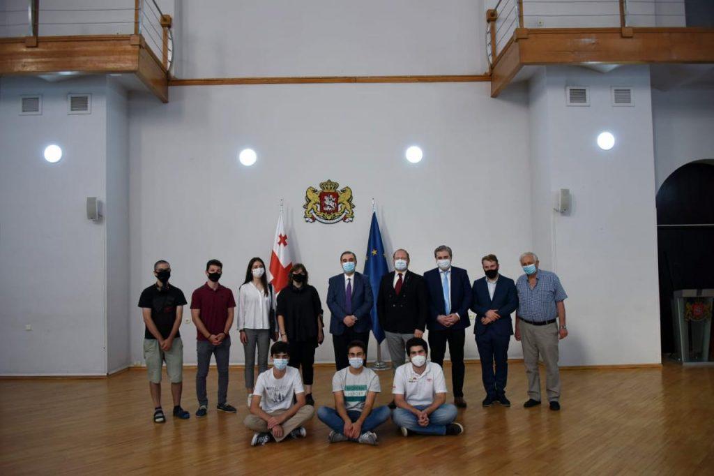 მიხეილ ჩხენკელმა ახალგაზრდა ფიზიკოსთა 34-ე საერთაშორისო ტურნირის მონაწილე ახალგაზრდებს წარმატება მიულოცა