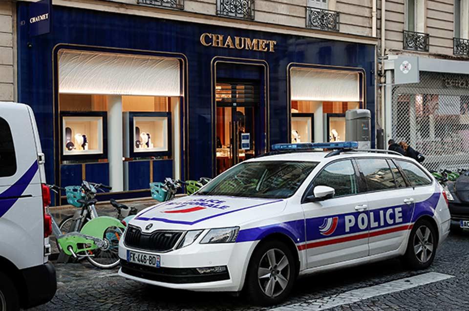 პარიზის ცენტრში საიუველირო მაღაზია გაძარცვეს - წაღებულია 2 მილიონი ევროს ღირებულების ძვირფასეულობა