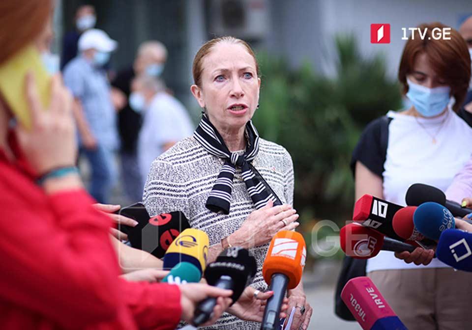 US Ambassador urges citizens to get coronavirus jab to combat pandemic