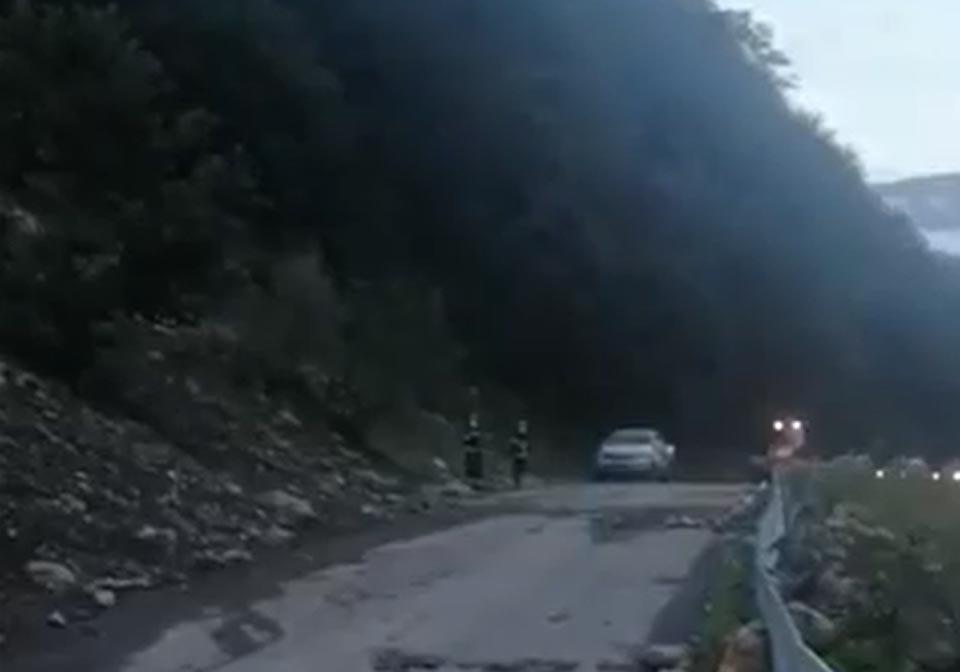 ლენტეხი-მესტიის დამაკავშირებელ ცენტრალურ გზაზე საავტომობილო მოძრაობა აღდგენილია