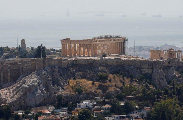 მაღალი ტემპერატურის გამო, საბერძნეთის ხელისუფლება მოსახლეობას მოუწოდებს, თავი შეიკავონ გადაუდებელი აუცილებლობის გარეშე მუშაობისა და მოგზაურობისგან