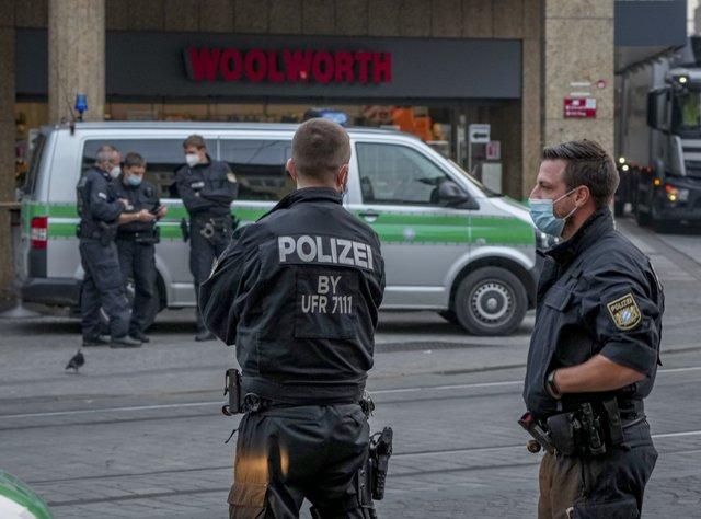 ბერლინის ერთ-ერთი მაღაზიის ავტოსადგომზე ოთხი ადამიანი დაჭრეს