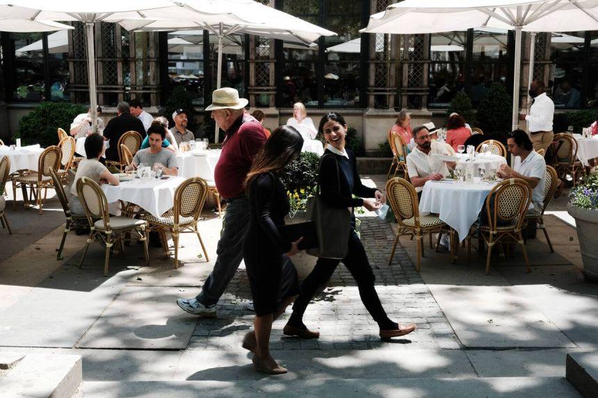ნიუ იორკი აშშ-ის პირველი ქალაქი გახდა, სადაც რესტორნებსა და სპორტულ დარბაზებში შესვლა მხოლოდ ვაქცინაციის დამადასტურებელი დოკუმენტით იქნება შესაძლებელი
