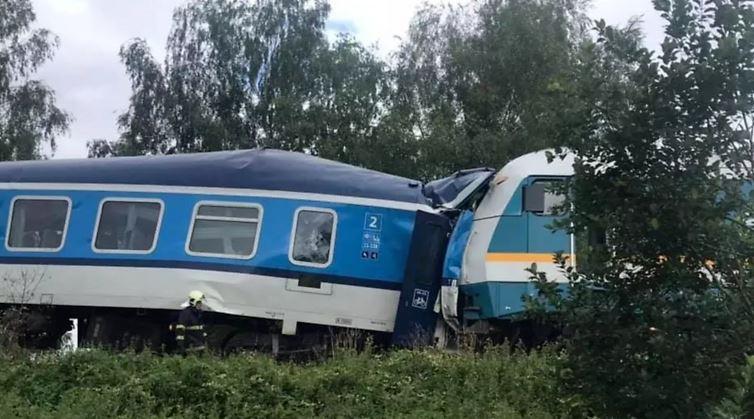 ჩეხეთში ორი სამგზავრო მატარებლის შეჯახების შედეგად ორი ადამიანი დაიღუპა