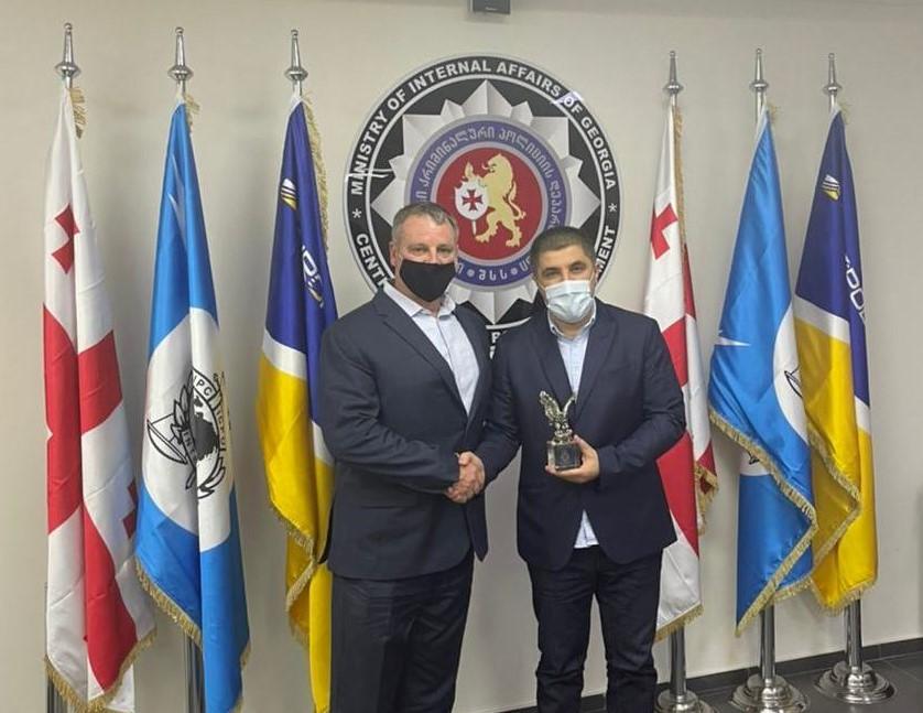 Региональный директор Управления по борьбе с наркотиками США поблагодарил грузинских правоохранителей за успешное противодействие транснациональной наркопреступности