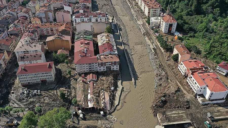 თურქეთის შავი ზღვის სანაპიროზე წყალდიდობის შედეგად დაღუპულთა რიცხვი 64-მდე გაიზარდა