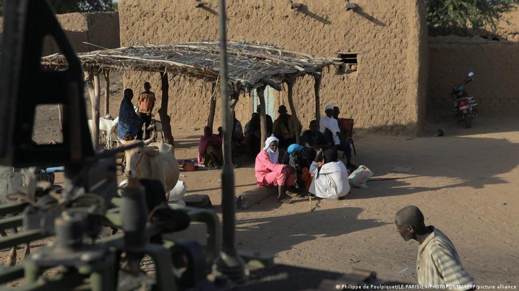 ნიგერიაში შეიარაღებულმა პირებმა 37 მოქალაქე, მათ შორის 14 მცირეწლოვანი მოკლეს