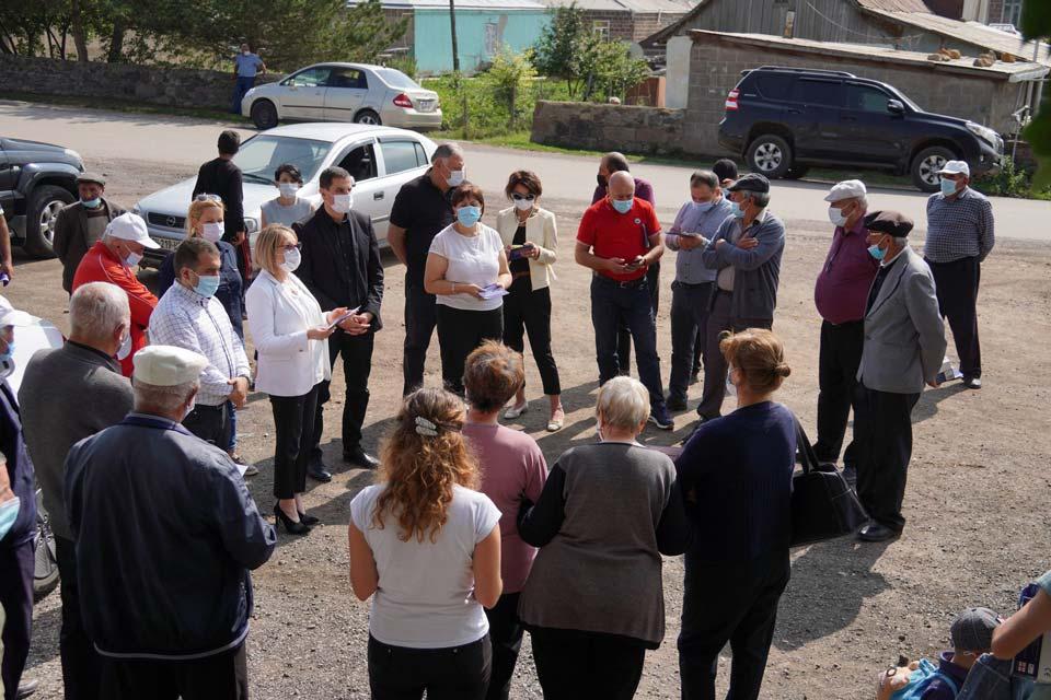 სამცხე-ჯავახეთის რეგიონში ეთნიკური უმცირესობებისთვის მშობლიურ ენაზე ვაქცინაციასთან დაკავშირებული საინფორმაციო ბროშურების დარიგება დაიწყო
