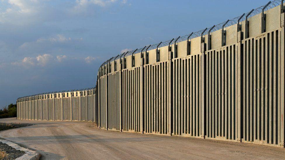 არალეგალი მიგრანტებისგან დასაცავად, საბერძნეთმა თურქეთის საზღვართან 40 კმ სიგრძის გამყოფი ღობე ააშენა