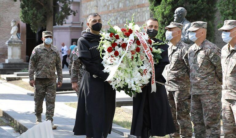 21 აგვისტო ეროვნული გმირის, გენერალ გიორგი კვინიტაძის დაბადების დღეა, მის ხსოვნას მთაწმინდის პანთეონში პატივი მიაგეს
