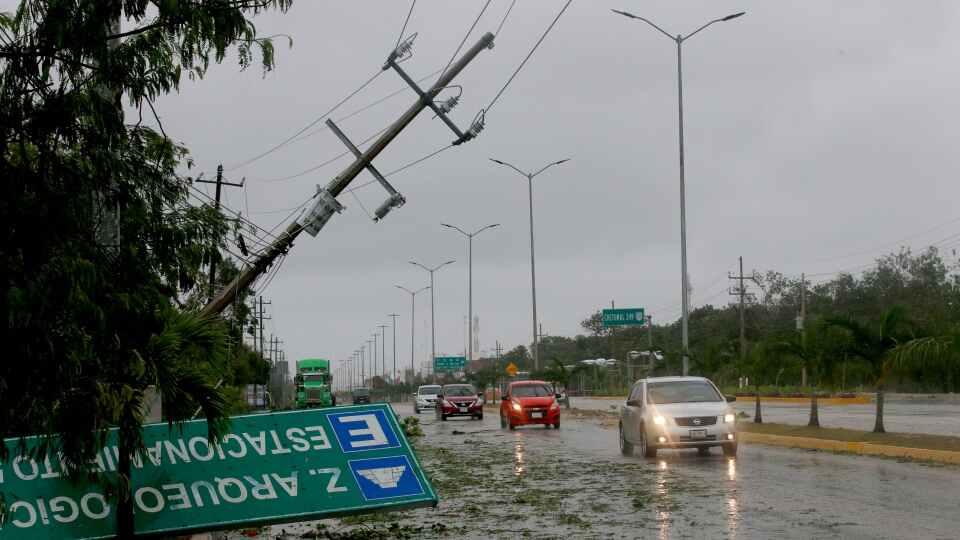 """მექსიკაში ქარიშხალ """"გრეისის"""" გამო გამოწვეული სტიქიის შედეგად რვა ადამიანი დაიღუპა"""