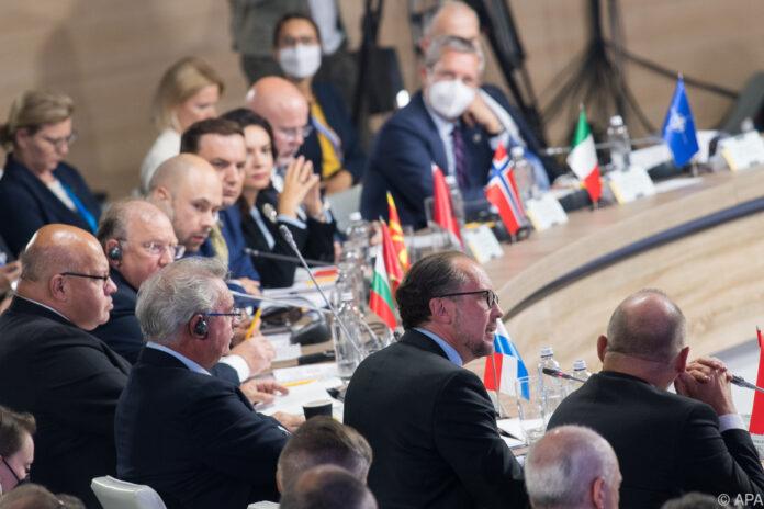 ავსტრიის საგარეო საქმეთა მინისტრი - საერთაშორისო საზოგადოება არ აღიარებს ყირიმის ანექსიას, არ მივიღებთ საერთაშორისოდ აღიარებული საზღვრების დარღვევას