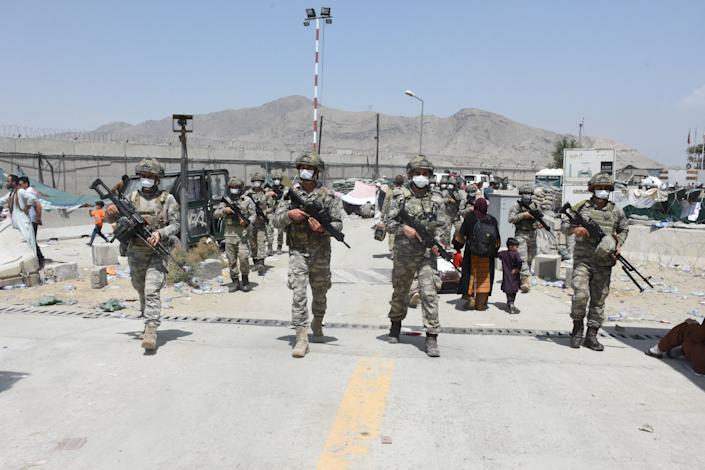 გერმანელი სამხედროების ცნობით, ავღანეთის აეროპორტში თვითმკვლელების თავდასხმების საფრთხე იზრდება