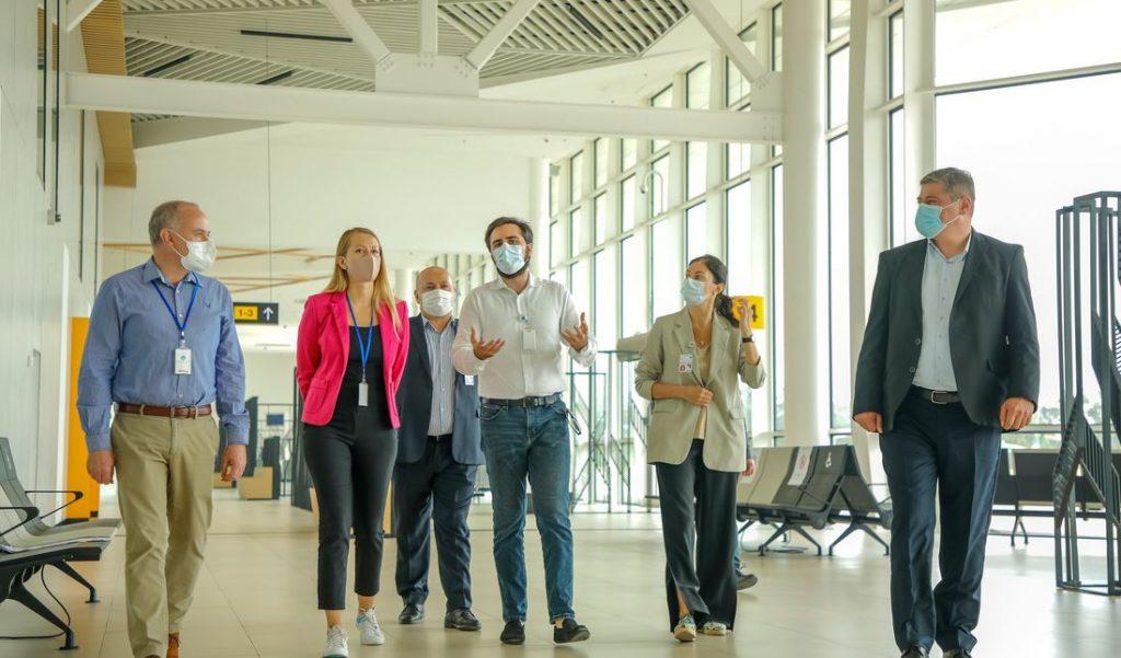 """ქუთაისის განახლებული აეროპორტი ავიაკომპანია """"ვიზეარის"""" ტოპ მენეჯმენტმა დაათვალიერა"""