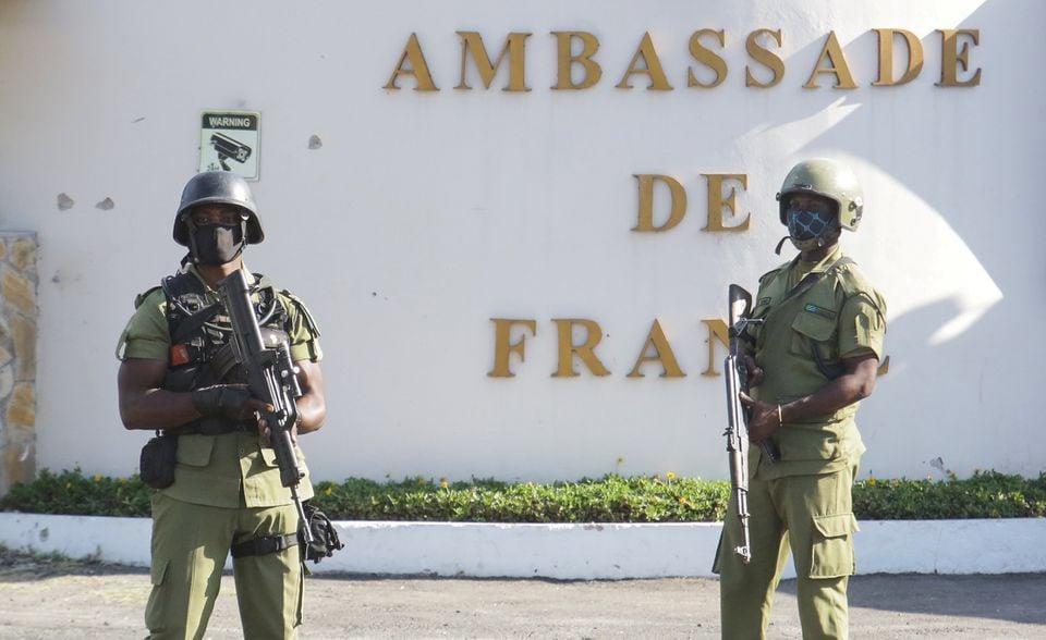 ტანზანიაში, საფრანგეთის საელჩოსთან თავდასხმისას ოთხი ადამიანი დაიღუპა