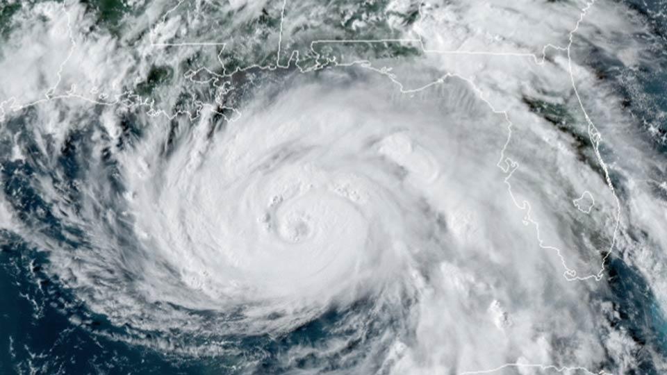 """აშშ-ის სანაპიროს ქარიშხალი """"იდა"""" უახლოვდება"""