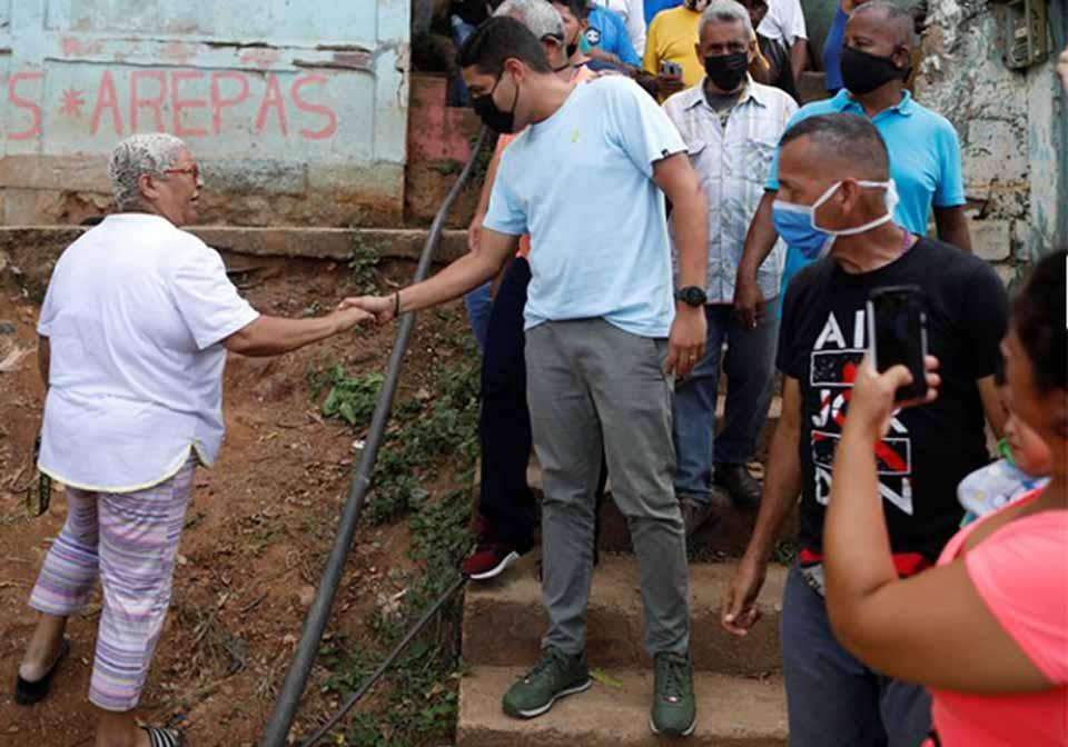 ვენესუელაში ოპოზიციამ არჩევნების სამწლიანი ბოიკოტი შეწყვიტა