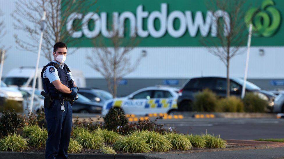 ახალ ზელანდიაში ტერორისტული თავდასხმის შედეგად ექვსი ადამიანი დაშავდა