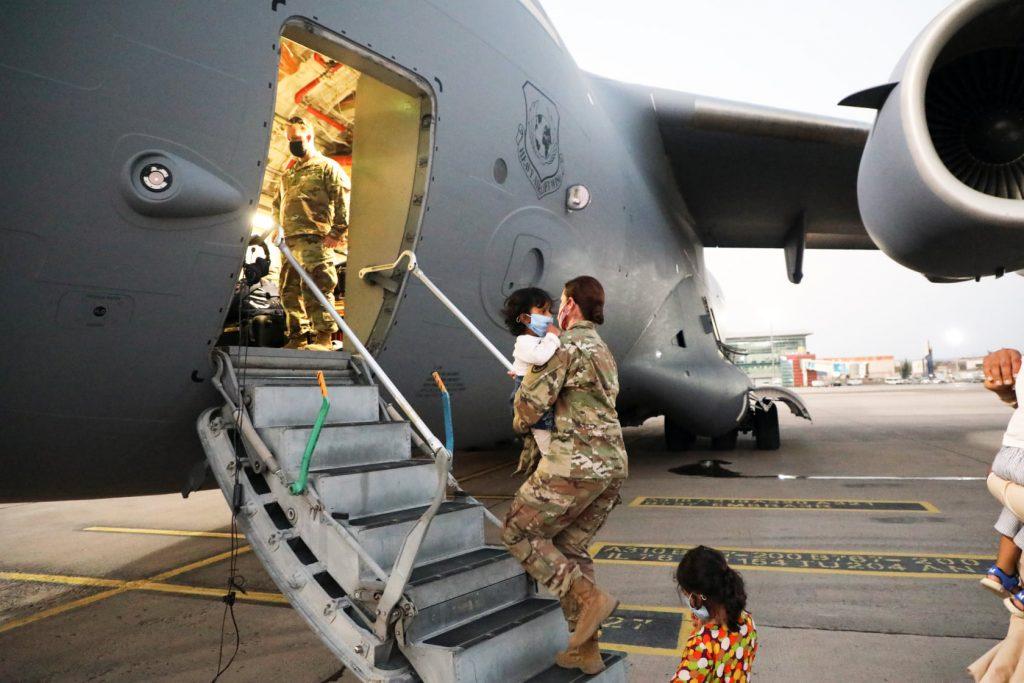 Соединенные Штаты еще раз благодарят правительство Грузии за помощь американским, афганским и гражданам третьих стран за помощь в прибытии к месту назначения