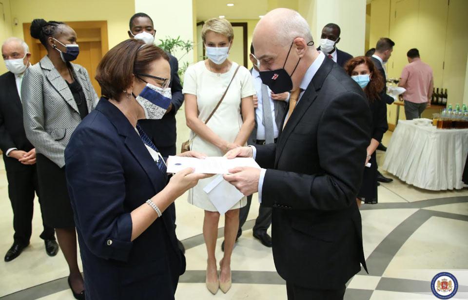 Министр иностранных дел Финляндии поблагодарила Давида Залкалиани за своевременную помощь в эвакуации граждан из Афганистана
