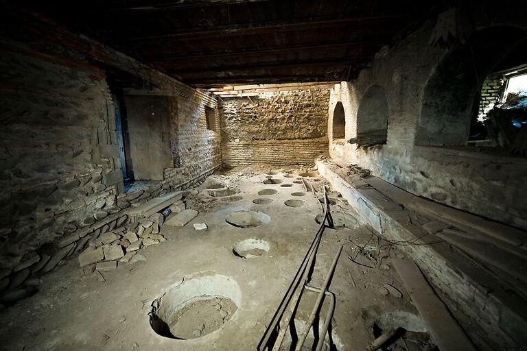 საოკუპაციო ხაზთან ანტონ ფურცელაძის მამაპაპისეული სახლის აღდგენა იწყება