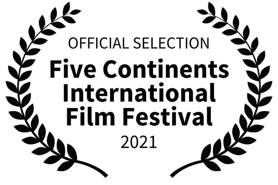 """#სახლისკენ - ფილმმა """"10:45""""Five Continents International Film Festival-ზე ფურორი მოახდინა"""