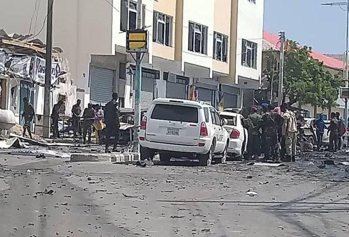 მოგადიშოში აფეთქების შედეგად სულ მცირე 10 ადამიანი დაიღუპა