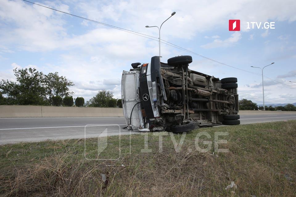 იგოეთი-ნატახტარისმონაკვეთზე ავტოავარიის შედეგად ოთხი ადამიანი დაშავდა
