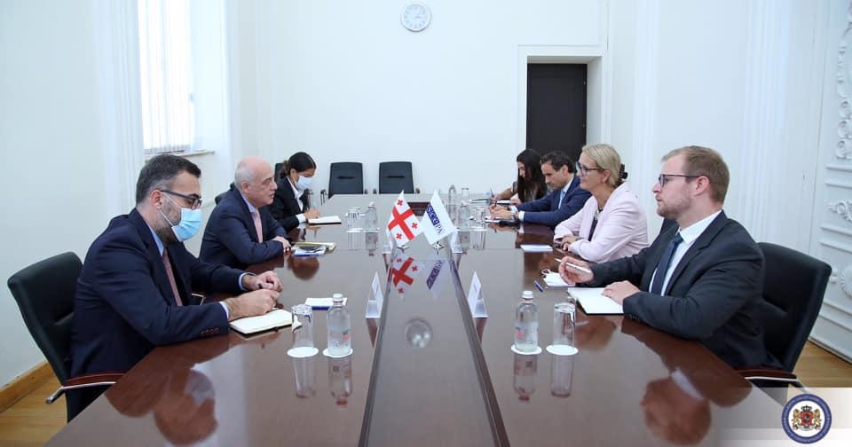 FM meets OSCE officials