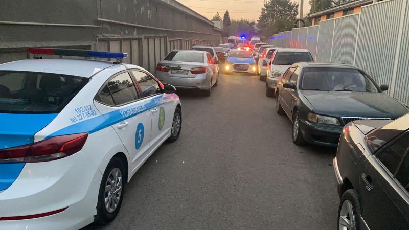 ყაზახეთის ქალაქ ალმათიში სროლის შედეგად ხუთი ადამიანი დაიღუპა