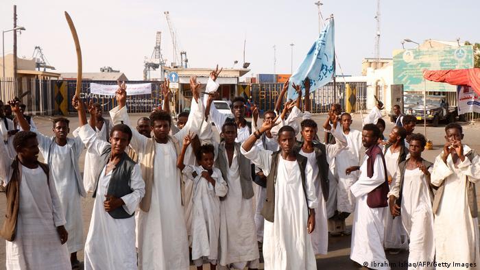 სუდანში გადატრიალების მცდელობასთან დაკავშირებით 21 სამხედრო დააკავეს