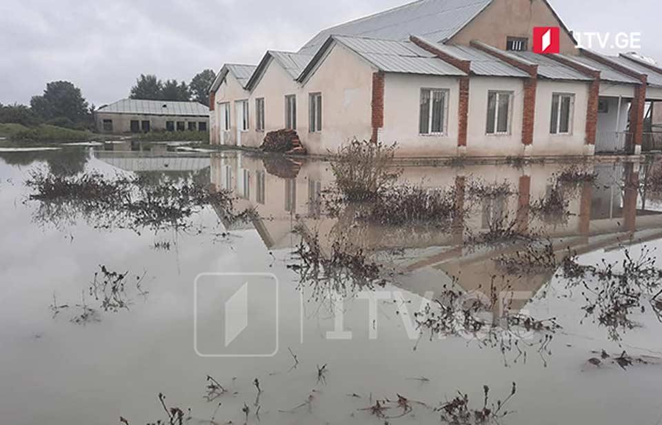 Գետի վարարման հետևանքով Էրիսիմեդի գյուղում հեղեղվել են տան նկուղները, շենքերն ու տնամերձ հողամասերը