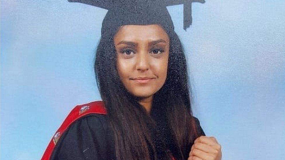 ბრიტანელმა სამართალდამცველებმა 28 წლის პედაგოგის მკვლელობაში ეჭვმიტანილი დააკავეს